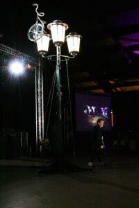 Le show sur un lampadaire